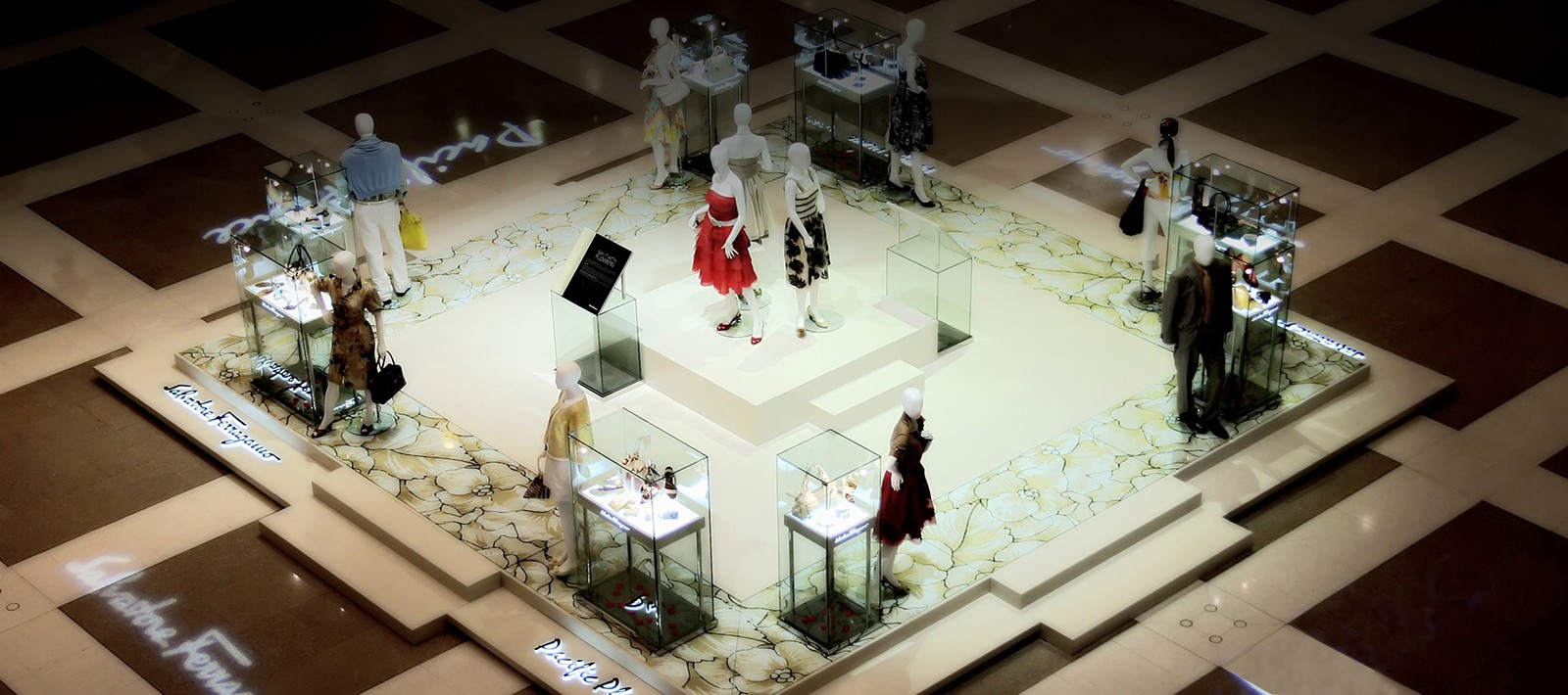 Fashion exhibition design for Salvatore Ferragamo